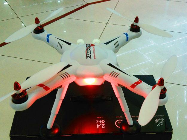 Команда разработчиков из Цюриха показала скоростные квадрокоптеры